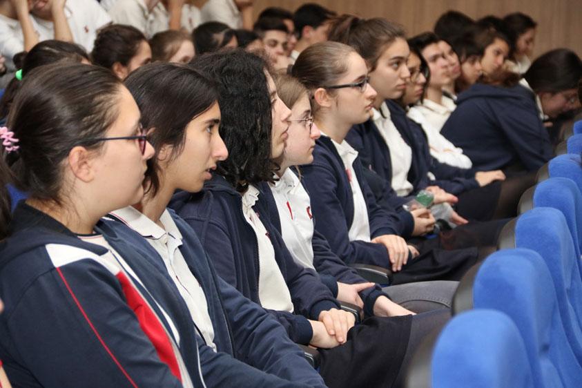 Öğrencilerle Tiyatro konuşuldu