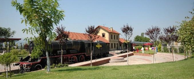 İzmit Tren İstasyonu fotoğrafı